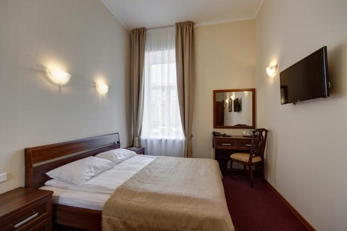 Отель «Соло», набережная реки Мойки, 82, метро Театральная, Садовая.