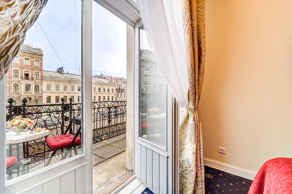 Отель «Новая История» набережная канала Грибоедова, 14 метро Невский проспект.